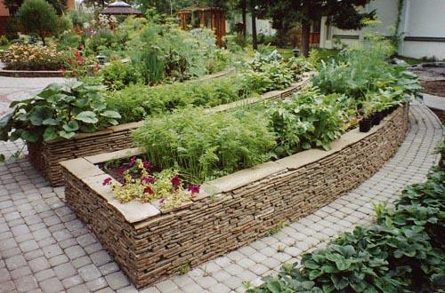 Создание подпорной стенки в саду